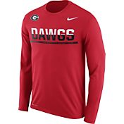 Nike Men's Georgia Bulldogs Red Staff Sideline Long Sleeve Shirt